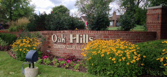 Oak Hills Country Club Village in Palos